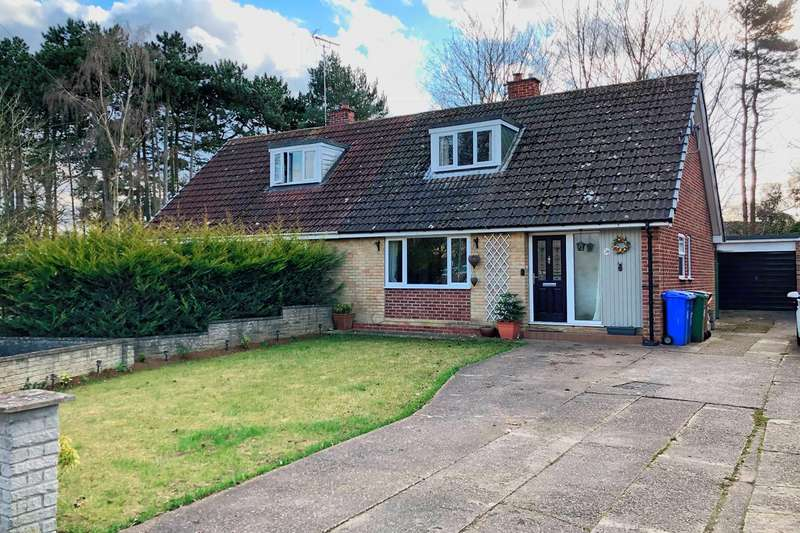 3 Bedrooms Semi Detached House for sale in Wesley Close, South Cave