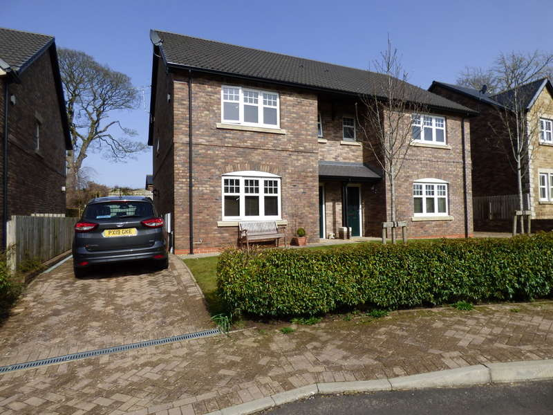 3 Bedrooms Semi Detached House for sale in 36 Birkbeck Gardens, Kirkby Stephen