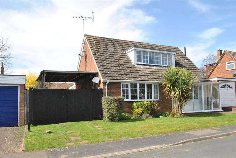 4 Bedrooms Detached House for sale in Townsend Close , Townsend Close, Royston, SG8 8ER