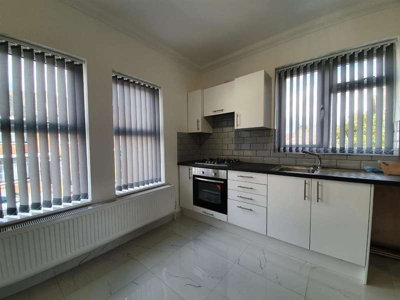 3 Bedrooms Apartment Flat for rent in Shaftesbury Road, Luton