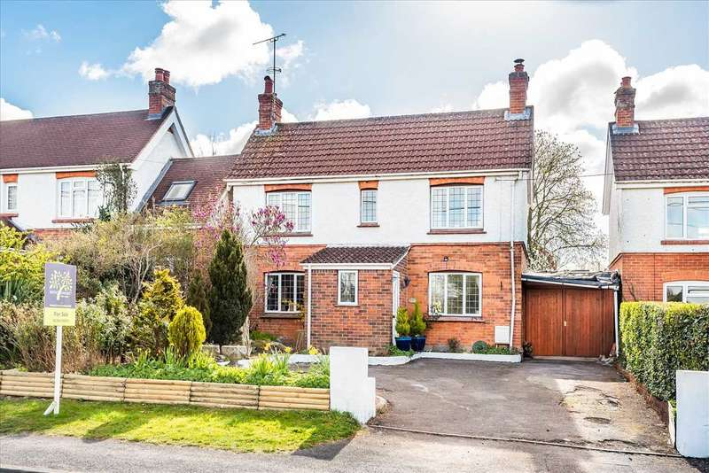 3 Bedrooms Detached House for sale in Barlows Lane, Andover