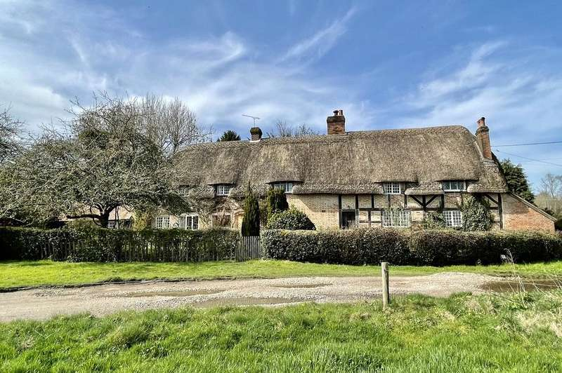 5 Bedrooms Detached House for sale in The Marsh, Breamore, Fordingbridge, Hampshire, SP6