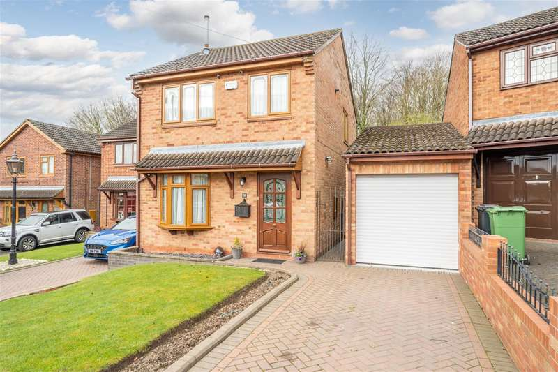 3 Bedrooms Detached House for sale in Willetts Drive, Halesowen, B63 2HR