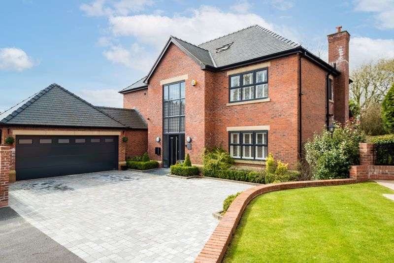 5 Bedrooms Property for sale in Lawn Grove, Heaton, Bolton, BL1 5