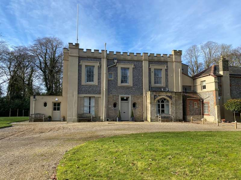 5 Bedrooms Semi Detached House for sale in The Castle, 1 The Grove, Cromer Road, Holt, Norfolk