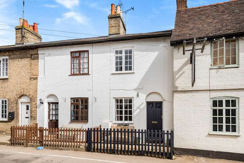 3 Bedrooms Terraced House for sale in High Street, Gosmore, Hitchin, SG4