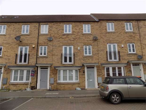 4 Bedrooms Town House for rent in Kingfisher Drive, Leighton Buzzard, Bedfordshire