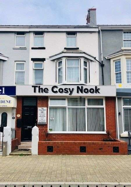 10 Bedrooms Hotel Gust House for sale in St. Chads Road, Blackpool, FY1