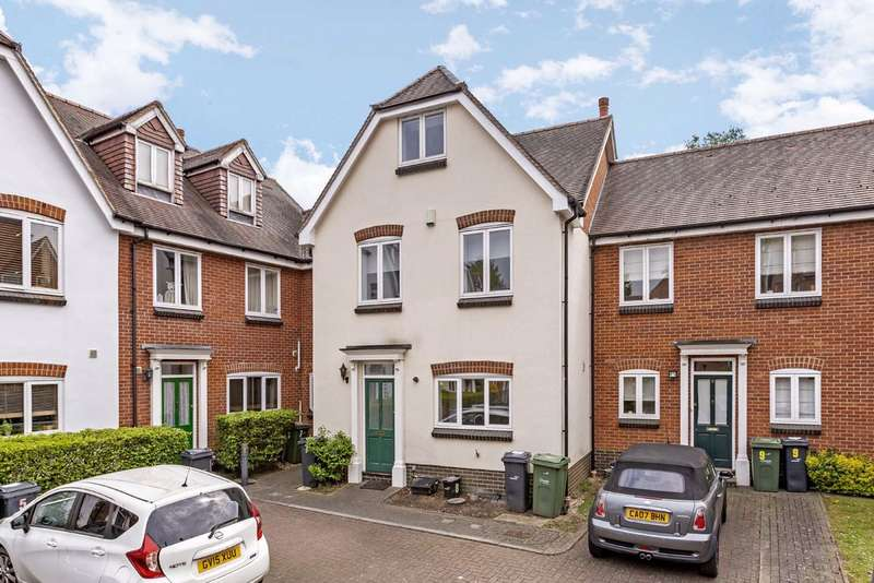 4 Bedrooms Terraced House for sale in Wellington Mews, Streatham Hill, London