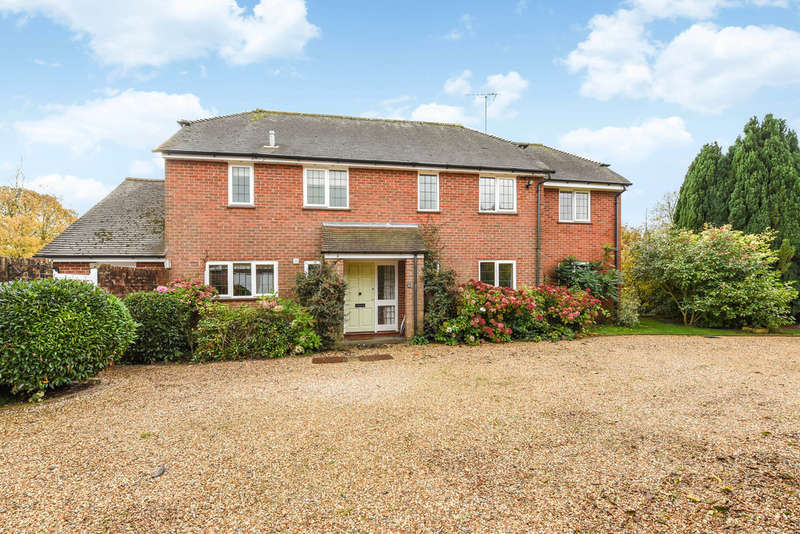4 Bedrooms Detached House for sale in Church Lane, HOLYBOURNE, Hampshire