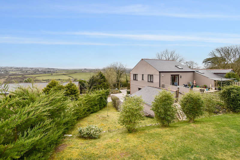 4 Bedrooms Semi Detached House for sale in Cambrose, Redruth