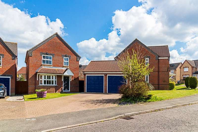 4 Bedrooms Detached House for sale in Constable Road, Haverhill