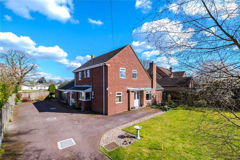 4 Bedrooms Detached House for sale in Sleaford Road, Ruskington, Sleaford, Lincolnshire, NG34