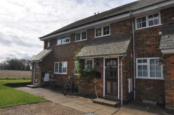 3 Bedrooms Property for sale in Darley Hall, Luton