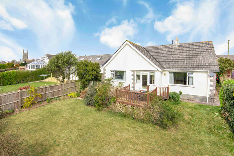 2 Bedrooms Detached Bungalow for sale in Town Park, West Alvington