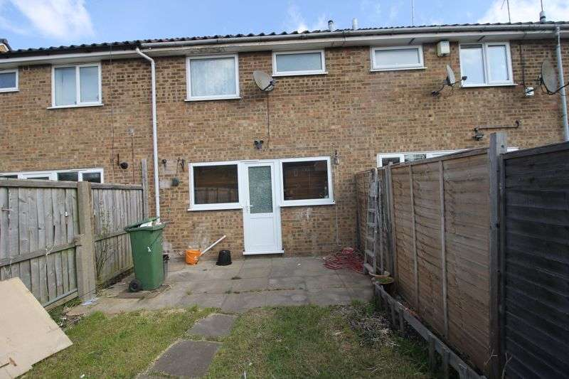 3 Bedrooms Property for rent in Butely Road, Luton
