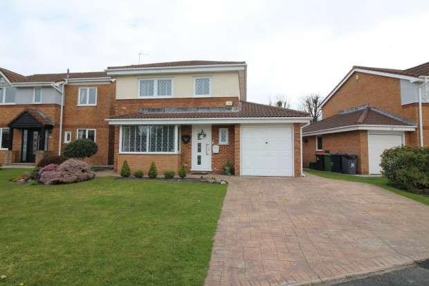 4 Bedrooms Detached House for sale in Harrow Avenue, Fleetwood, FY7