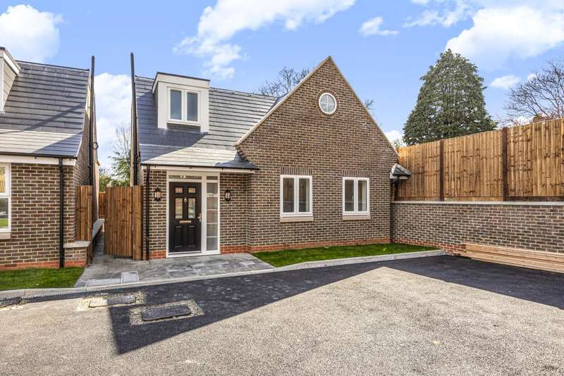 3 Bedrooms Detached House for rent in Friern Park, North Finchley, N12