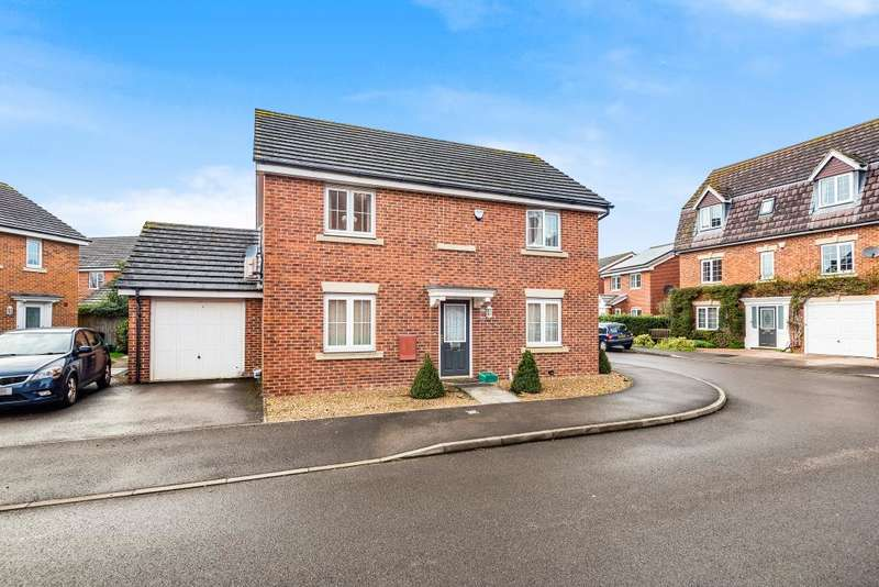 4 Bedrooms Detached House for sale in Kennet Heath, Thatcham, RG19