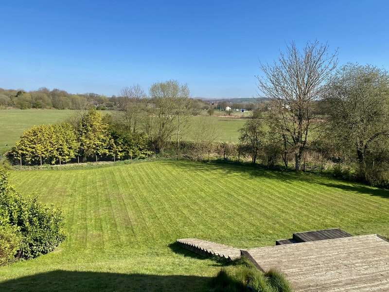 4 Bedrooms Detached House for sale in Alnwick Drive, Bury, Greater Manchester, BL9