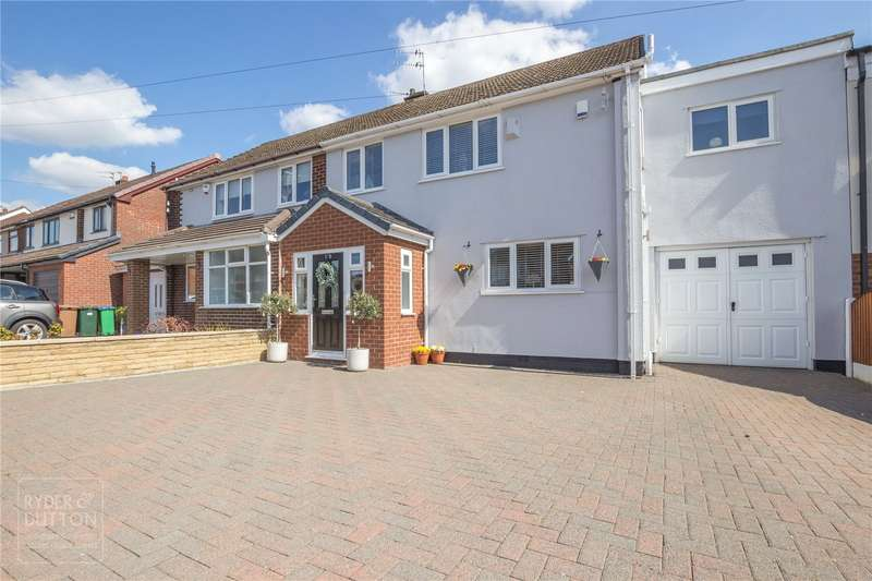 4 Bedrooms Semi Detached House for sale in Mossway, Alkrington, Middleton, Manchester, M24