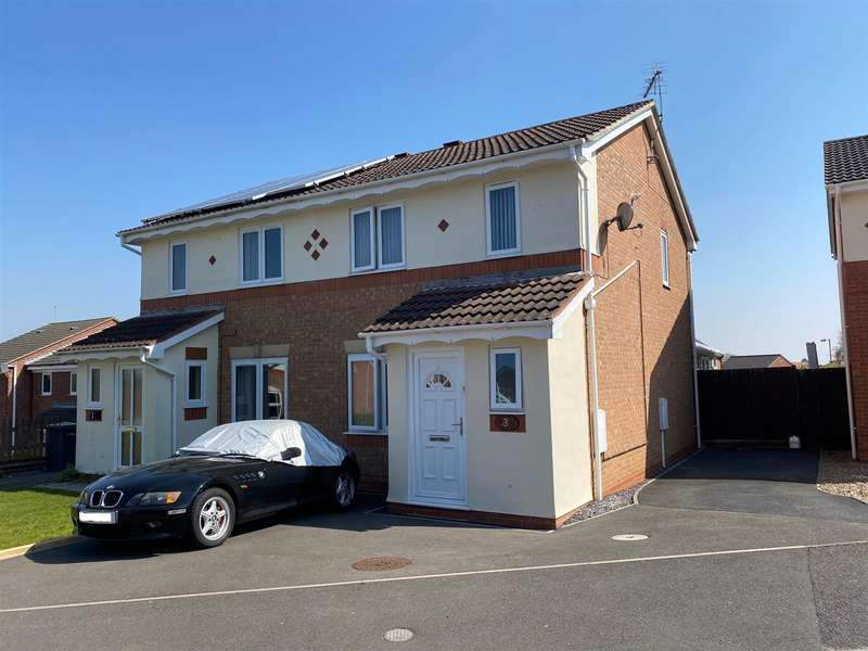 3 Bedrooms Semi Detached House for sale in Peregrine Close, Sleaford