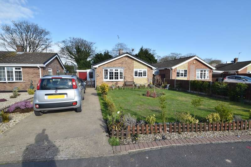 3 Bedrooms Bungalow for sale in Gleneagles Drive, Winthorpe, PE25