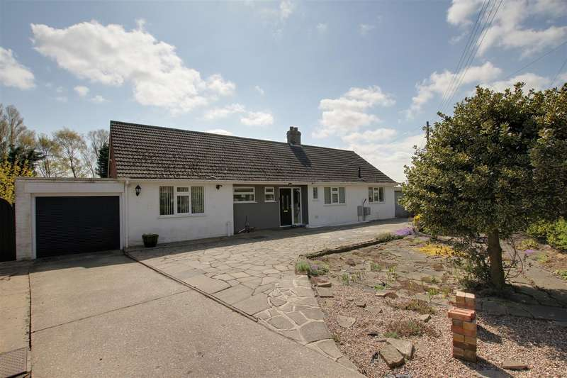 4 Bedrooms Detached Bungalow for sale in Station Road, Alford