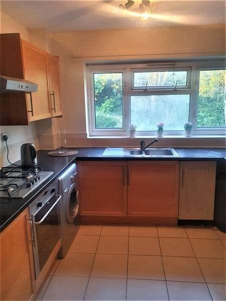 1 Bedroom Flat for sale in Lullington Road, London, London, SE20