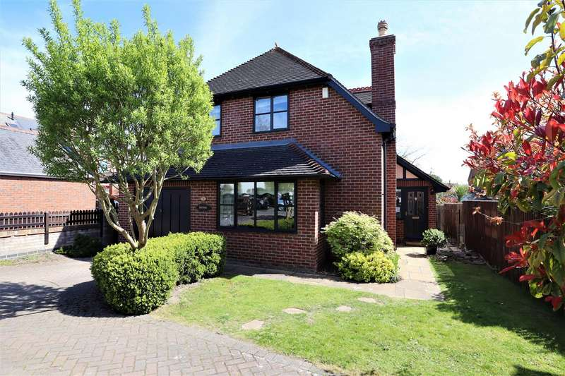 4 Bedrooms Detached House for sale in Oakleigh Drive, Lincoln