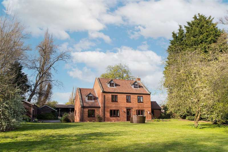 6 Bedrooms Detached House for sale in Old Vicarage Lane, Monk Fryston, Leeds