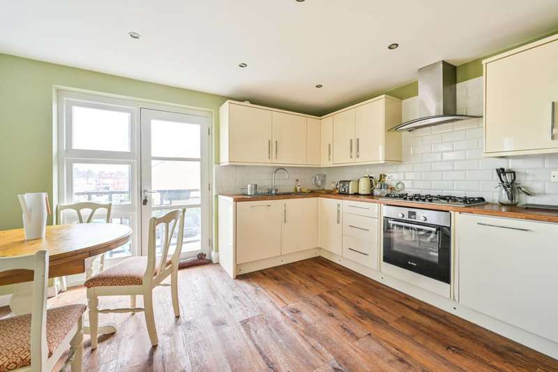 2 Bedrooms Flat for sale in Exeter Road, London, Walthamstow, E17