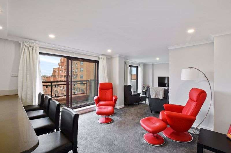 2 Bedrooms Property for sale in Free Trade Wharf, Wapping, E1W
