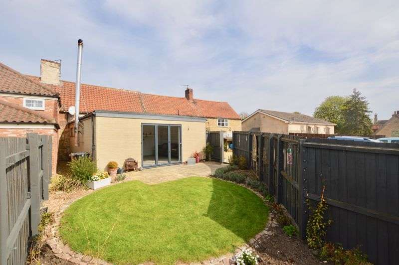 2 Bedrooms Property for sale in High Street, Little Bytham