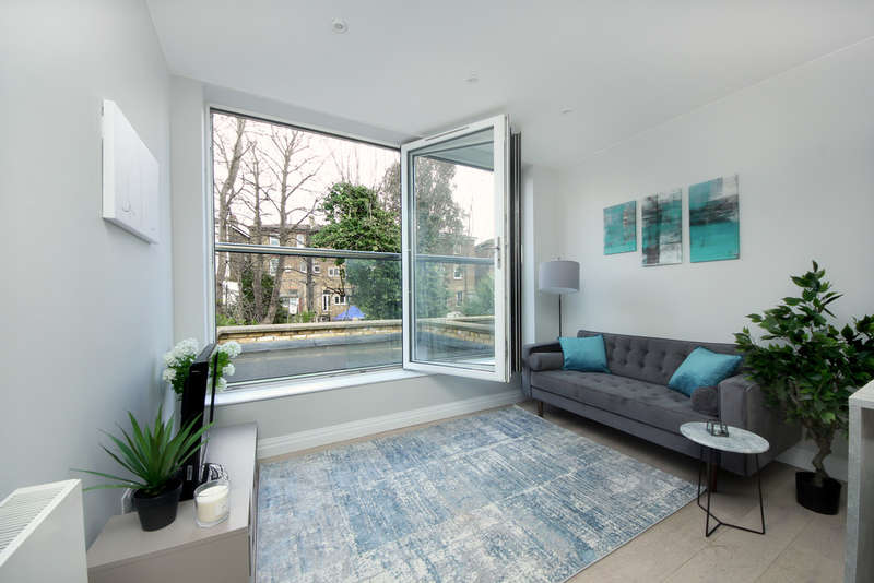 2 Bedrooms Flat for sale in Argyle Road, W13