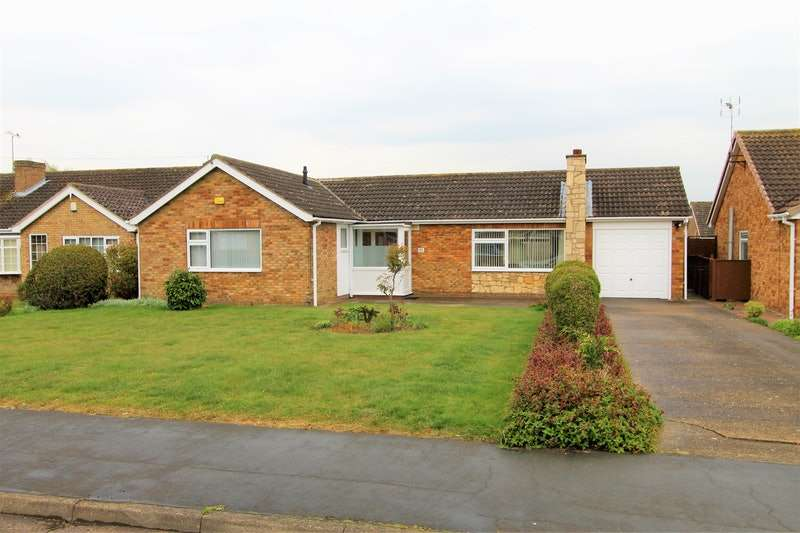 3 Bedrooms Bungalow for sale in Fen Lane, Lincoln, Lincolnshire, LN6