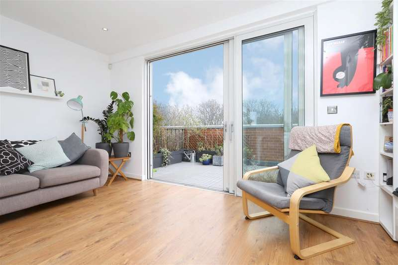2 Bedrooms Flat for sale in Latitude Apartments, Manor Road, N16