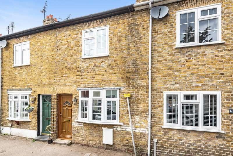 2 Bedrooms House for rent in Beech Road, Weybridge, KT13