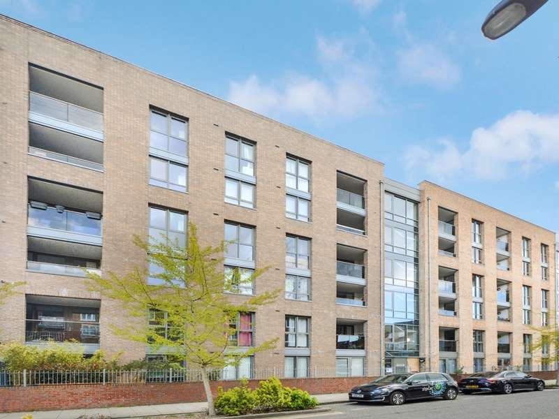 2 Bedrooms Flat for sale in Silwood Street, Surrey Quays SE16