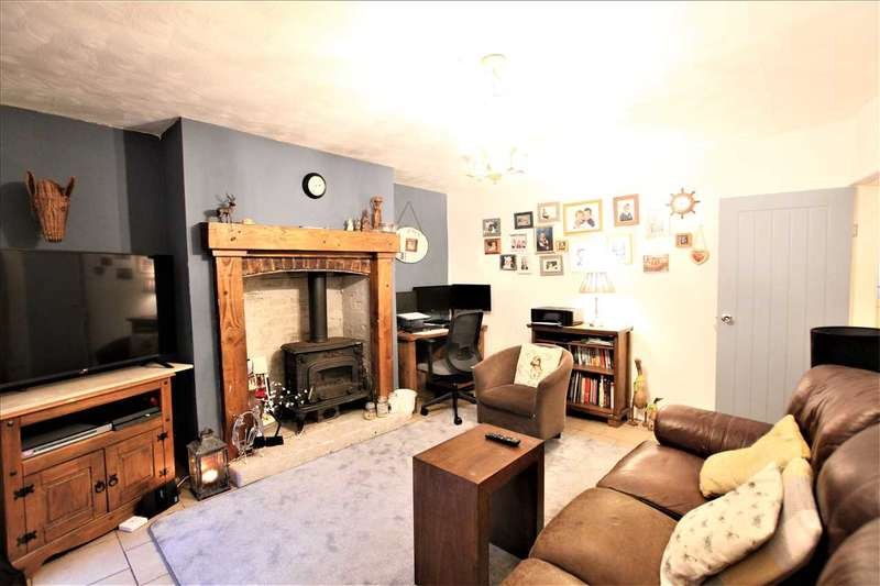 3 Bedrooms Terraced House for sale in Church Street, Westhoughton