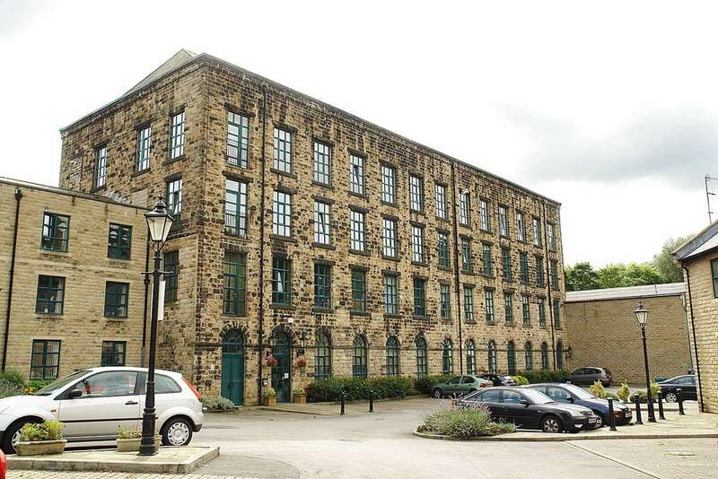 2 Bedrooms Flat for sale in Alexandra Mill, Uppermill, Saddleworth