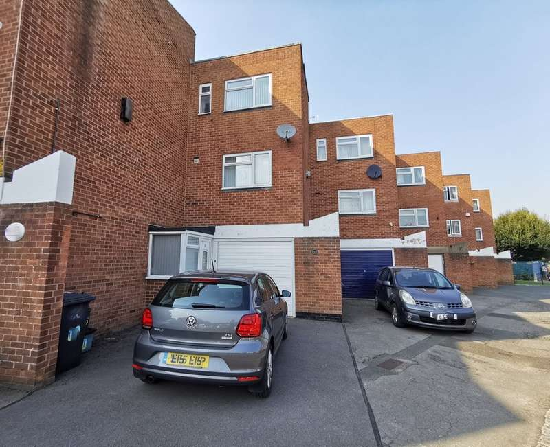 4 Bedrooms Town House for sale in Sherborne Street, Gloucester, GL1