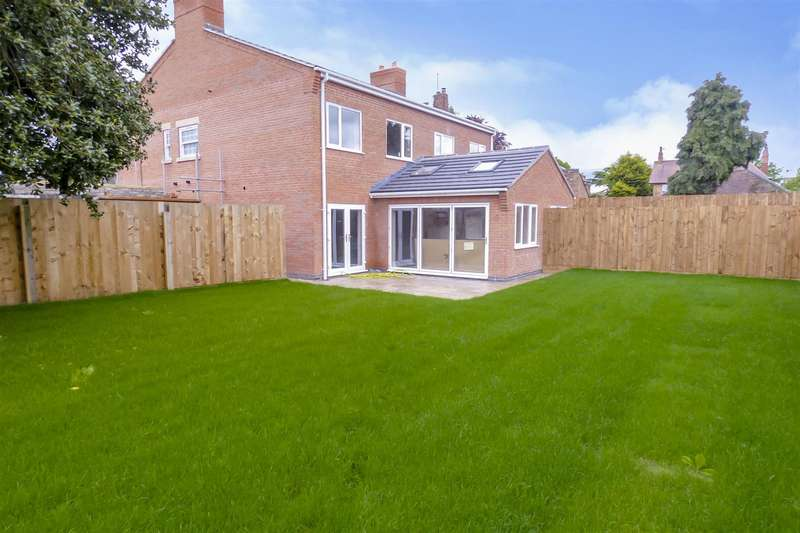 4 Bedrooms Semi Detached House for sale in Dove Lane, Long Eaton
