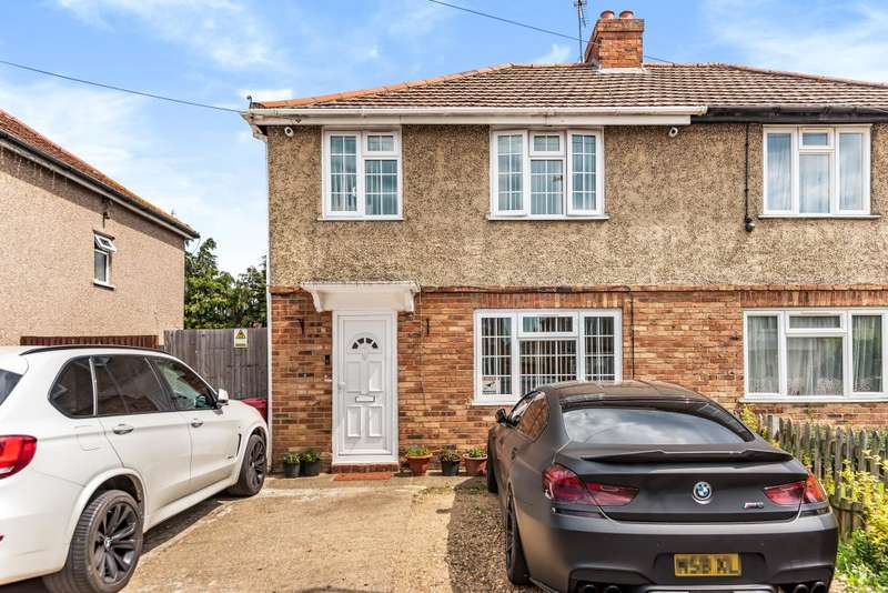 3 Bedrooms Semi Detached House for sale in Slough, Berkshire, SL2