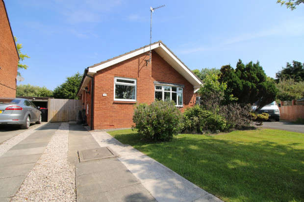 3 Bedrooms Bungalow for sale in Croasdale Drive, Thornton-Cleveleys, FY5