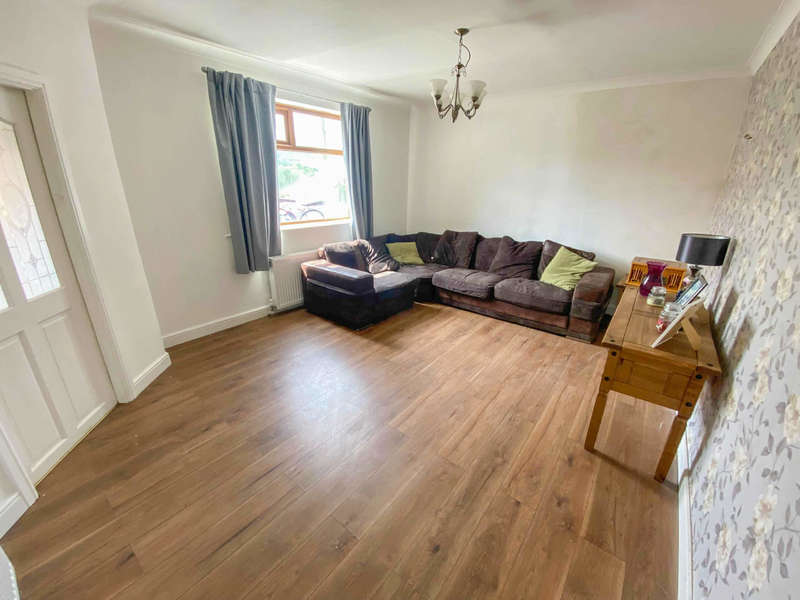 3 Bedrooms Semi Detached House for sale in Hammond Avenue, Stacksteads, Bacup, Rossendale