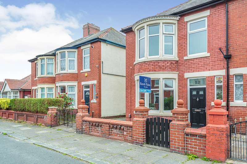3 Bedrooms Semi Detached House for sale in Winchester Avenue, Blackpool, Lancashire, FY4