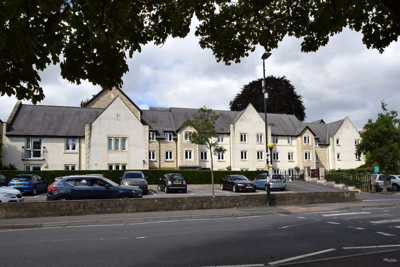 1 Bedroom Retirement Property for sale in Maple Tree Court, Old Market, Nailsworth, GL6