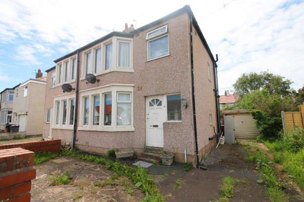 3 Bedrooms Semi Detached House for sale in Lockerbie Avenue, Thornton-Cleveleys, FY5