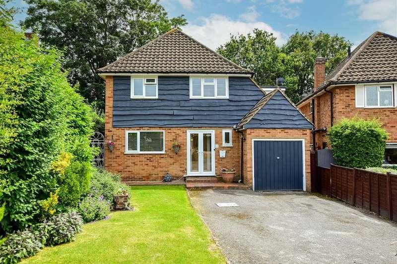 4 Bedrooms Detached House for sale in Bunby Road, Stoke Poges, Slough, SL2